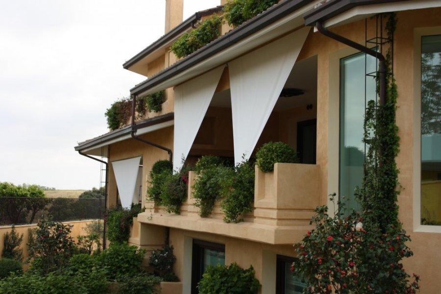 Tende da sole mefi tende tecniche roma for Divisori da esterno